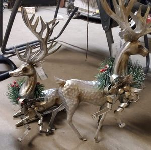 NWT decorative metal reindeer